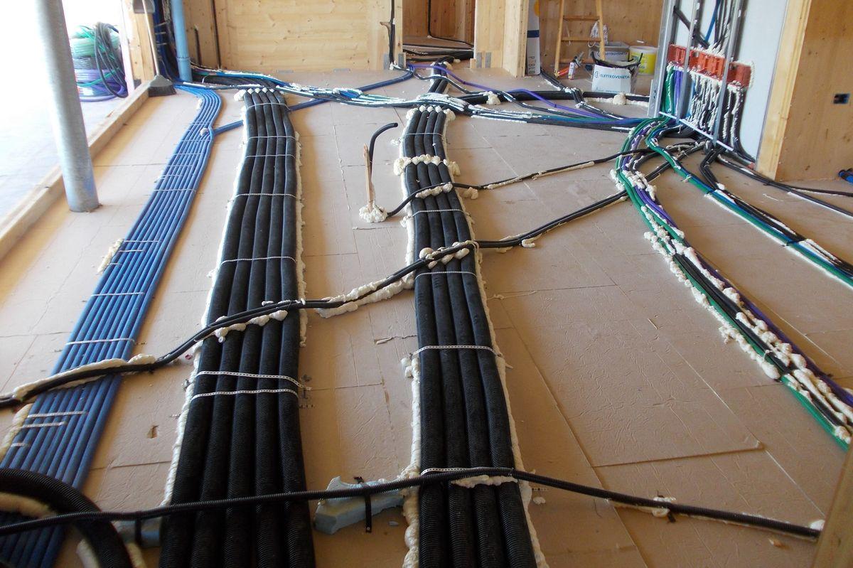 Riscaldamento A Pavimento Tubi riscaldamento a pavimento elettrico: tutto quello che c'è da